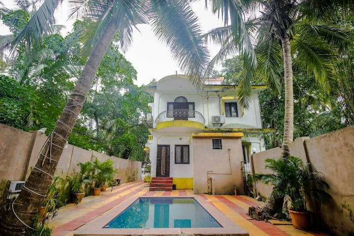 4 bhk private pool villa