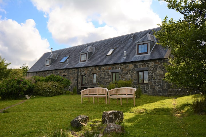 Diubaig House - tranquil, loch view - Isle of Skye