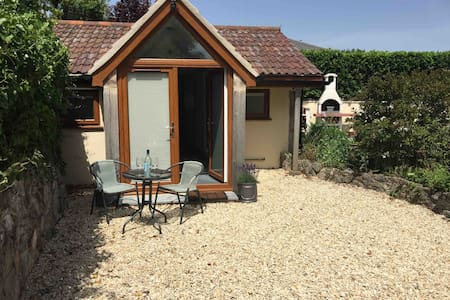 Lovely lodge close to the beach and golf course!