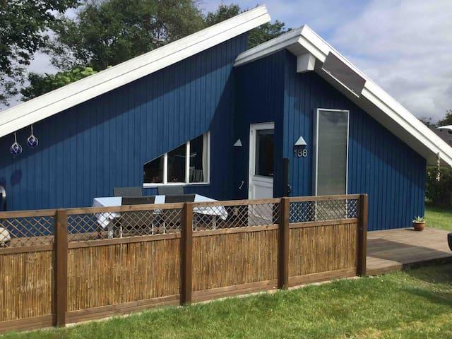 Hyggelig hytte/sommerhus i Bork Hytteby