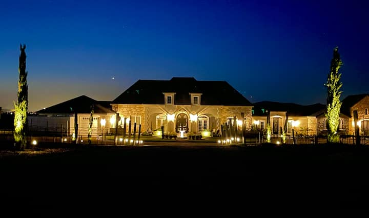 OPEN! NEW WINE COUNTRY ESTATE! Luxury Chapel Suite