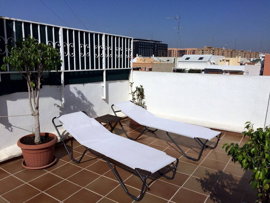 Sunny penthouse in mestalla wifi appartements louer - Tumbonas aki ...