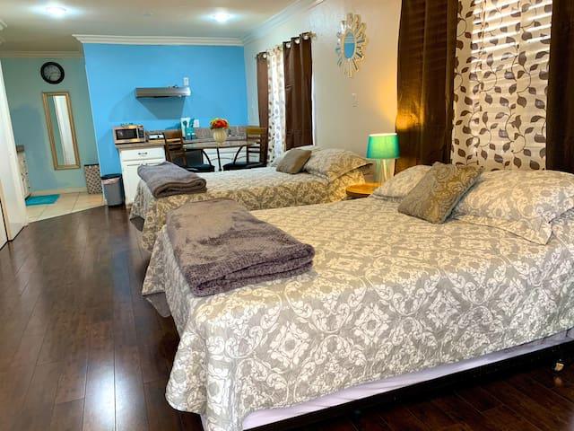 Clean & Cozy comfort. Near LAX and Manhattan beach