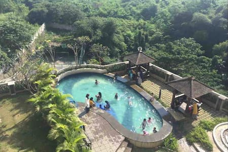Stunning Studio with   WiFi & View at Bogor Valley