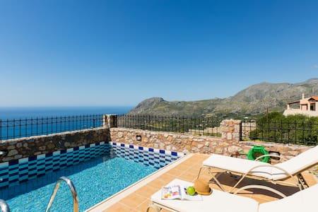 Villa Despina, view to Libyan sea! - Sellia