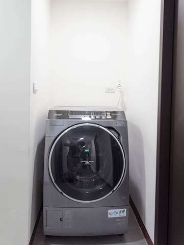 共用設備:洗烘衣機  Shared equipment: washing and drying machine
