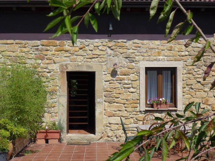 Rovigo25  casa tradicional reformada frente al mar