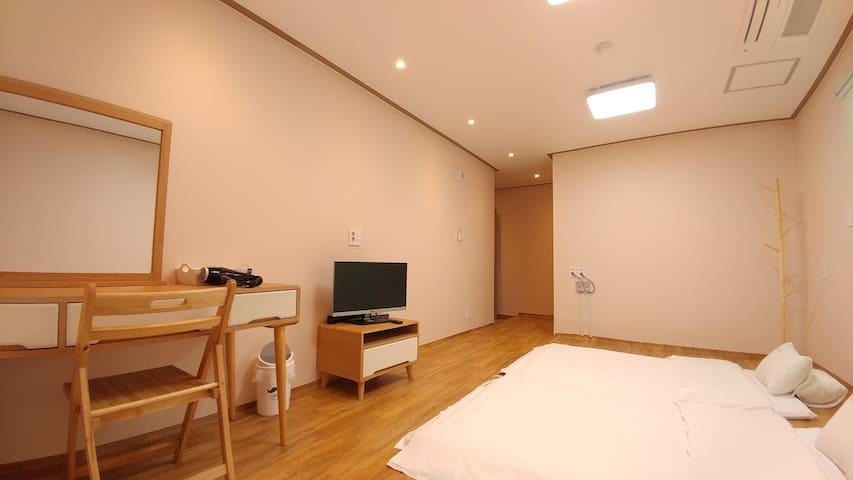전주한옥마을 1%호스텔 - 507호 온돌방 (개인실 / 개인욕실)