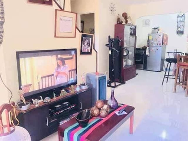 Fullyfurnished House in Collinwood Subdivision 2BR