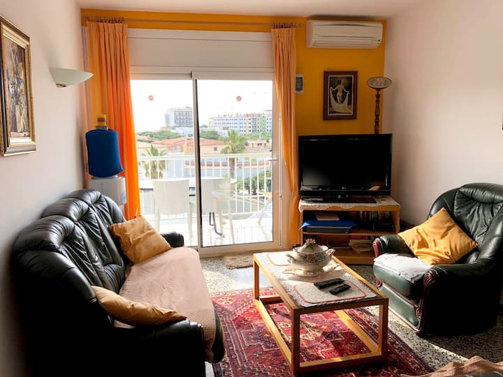 Apartment with 2 bedrooms in Platja d'Aro, with wonderful sea view, furnished balcony and WiFi - 300 m from the beach