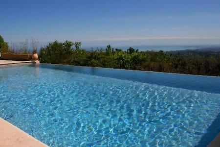 Magnifique villa dans le village vue mer fabuleuse - Сен-Жане - Дом