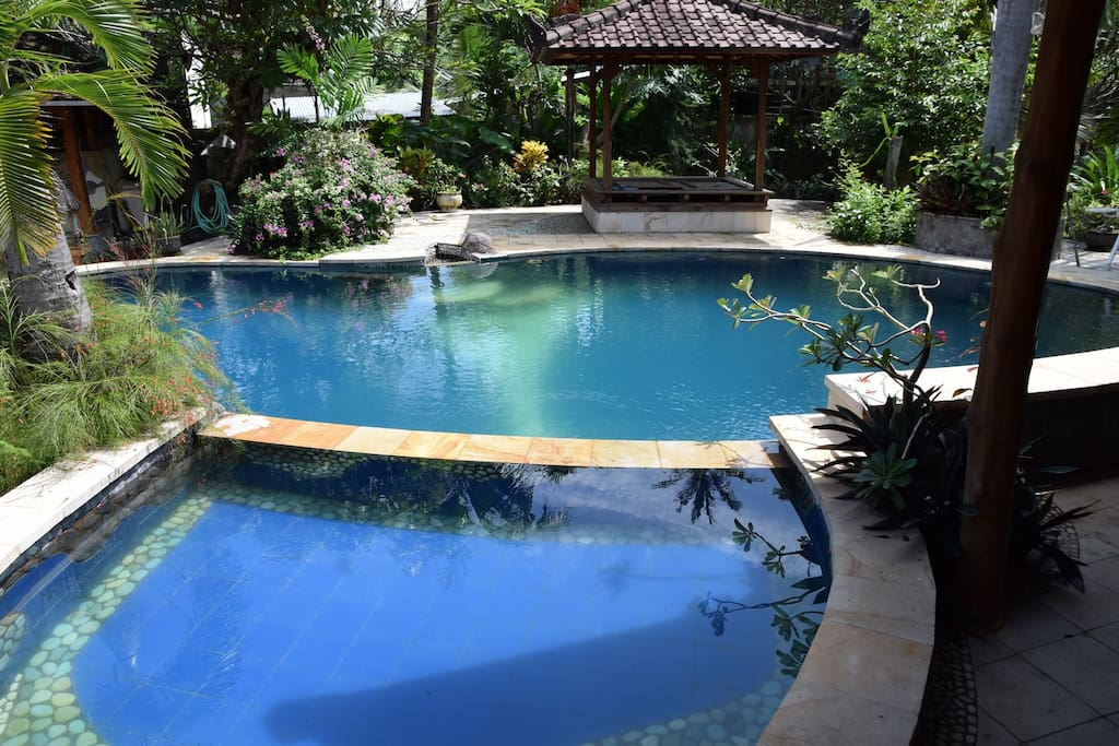 small pool suitable for kids