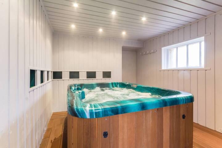Le spa apporte une détente en profondeur, l'accès par chambre pour une heure, 21, 00 €.