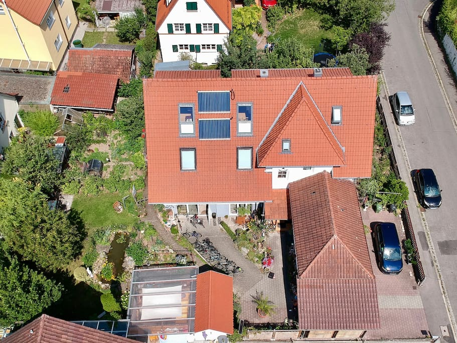 Dachwohnung mit schlossbergblick maisons louer for Baden baden allemagne maison close