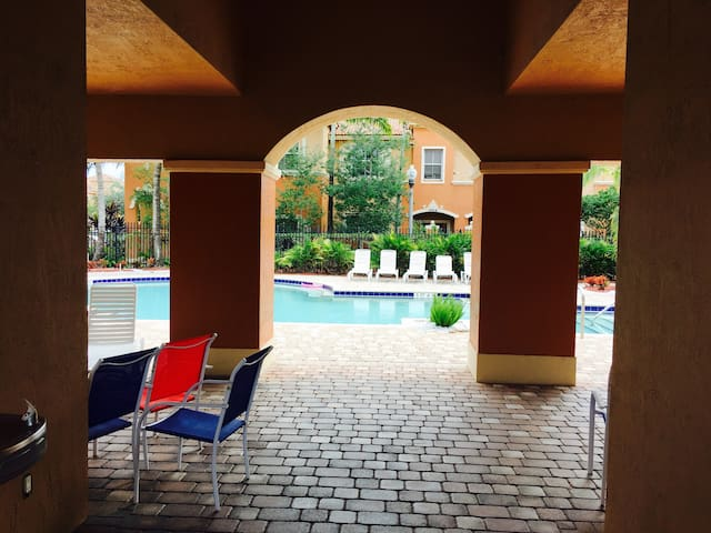 Townhouse, 3 Bed. 2.5 Bath - Miramar - Condominio