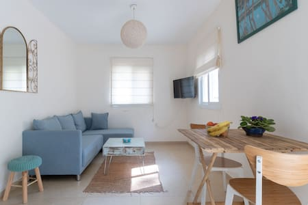 Peaceful flat with free parking and terrace @Ora