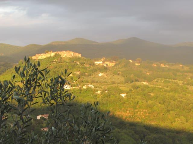 Casale Paula Tina(Poggio S Lorenzo) - Poggio San Lorenzo - Hus