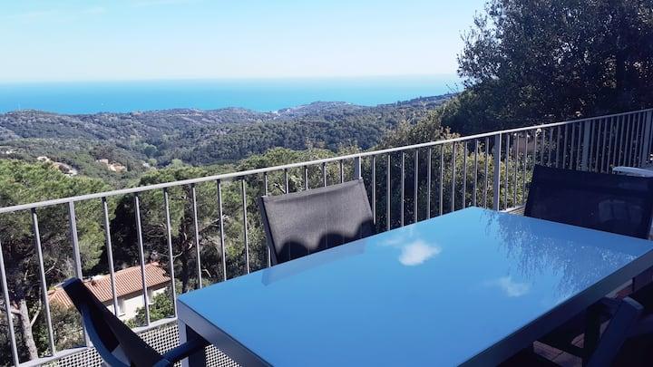 Casa con vistas al mar cerca de  Barcelona