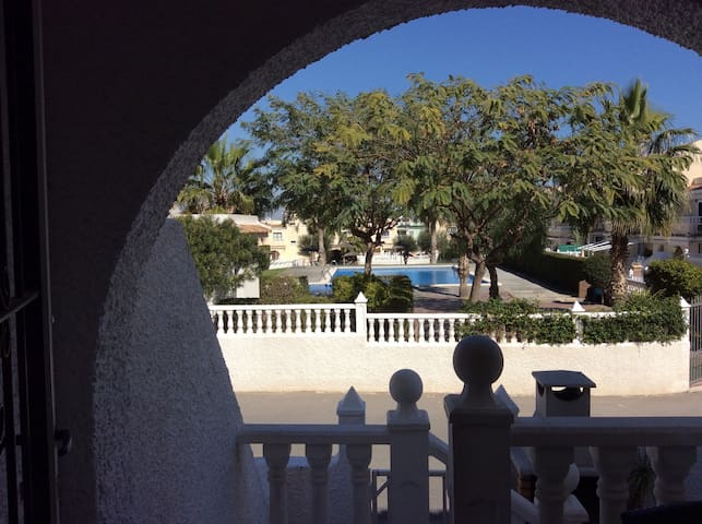 2 bedroom holiday home near beach - Gran Alacant - Casa