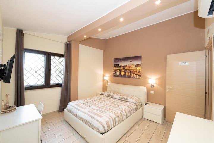 ROME room ( LE GHIANDE GUEST HOUSE )