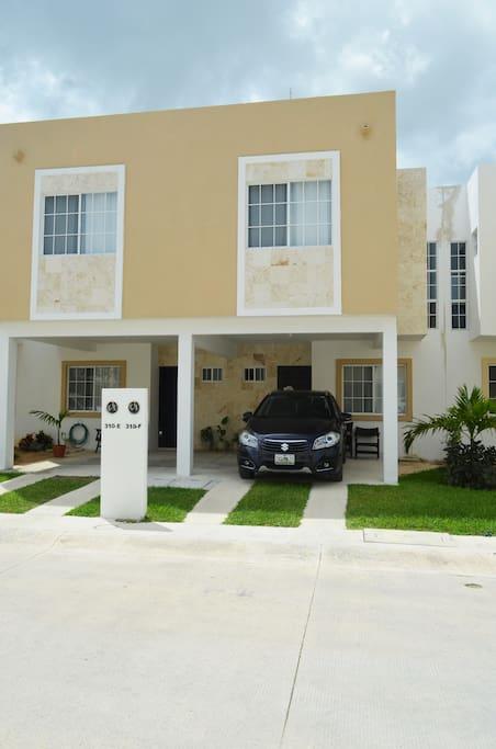 Casa 310-F con estacionamiento techado para 1 vehículo