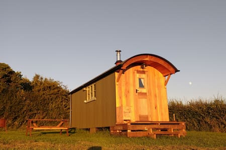 Walnut Tree Farm Shepherds Huts. - Бристоль
