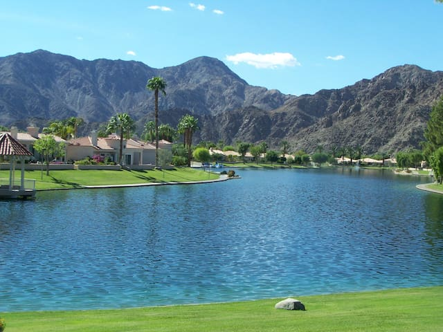Private La Quinta Home
