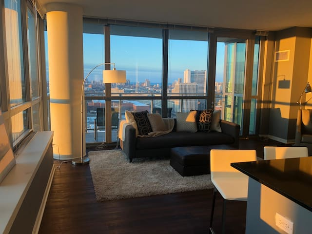 Luxury 1-Bedroom + Large Balcony in Downtown!
