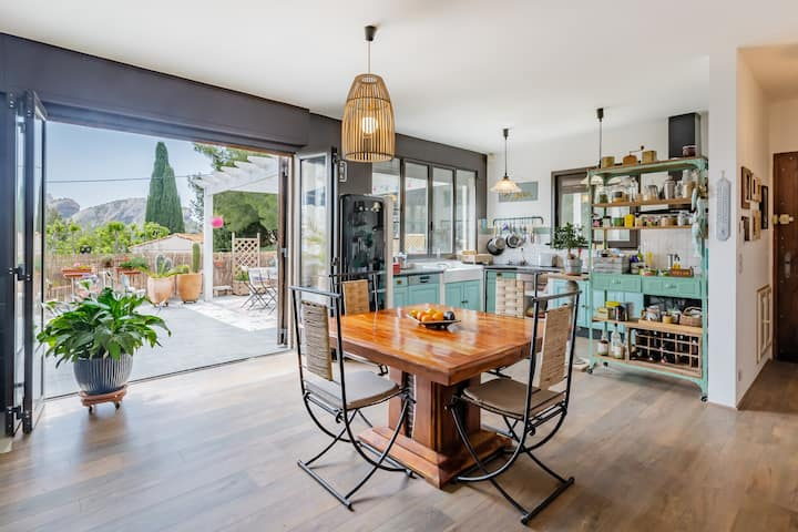 Villa avec terrasse vue mer+petite maison