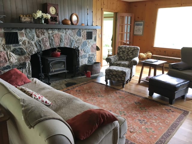 Peaceful Farmhouse on 30 bucolic acres