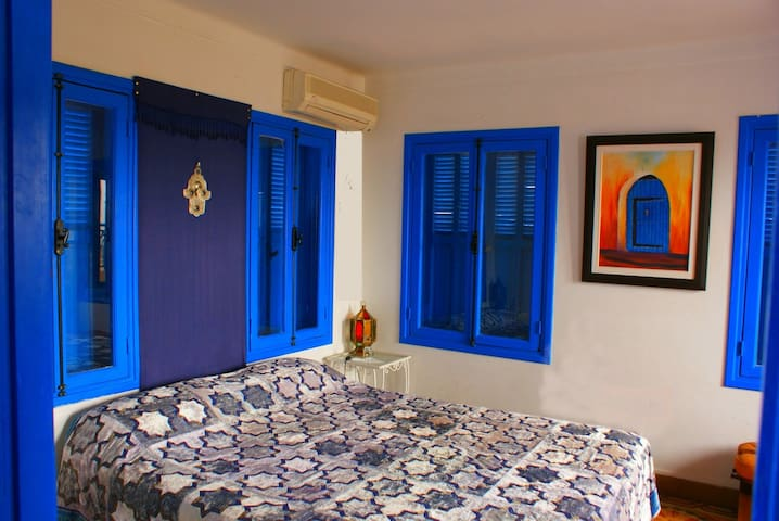 Private room  in a cosy Riad - Salé - Bed & Breakfast