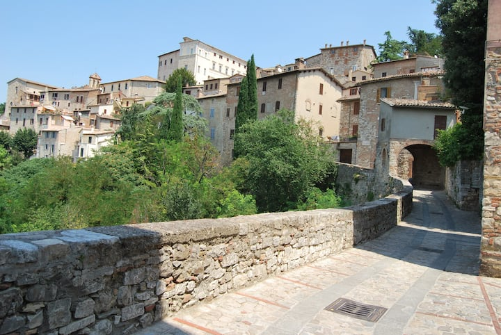 Umbria, Todi Center of town
