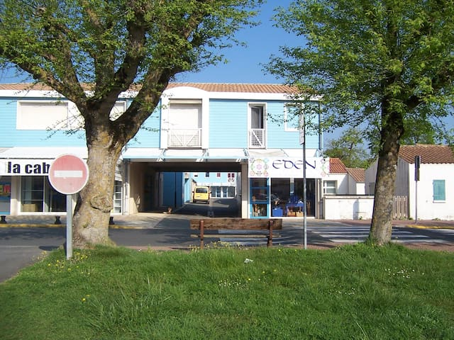 Location appartement 30M2 centre le grand village - Le Grand-Village-Plage - Byt