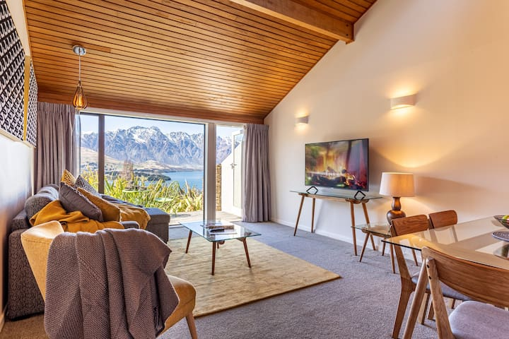 ALPINE GOLD WITH INCREDIBLE LAKE VIEWS SPA