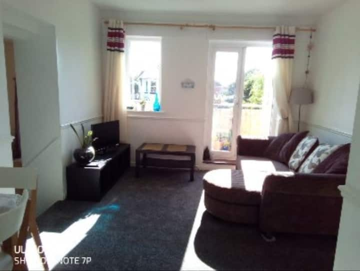 One bedroom flat with balcony close to the beach.