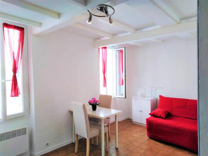 Studio in Hyères, with wonderful city view - 5 km from the beach