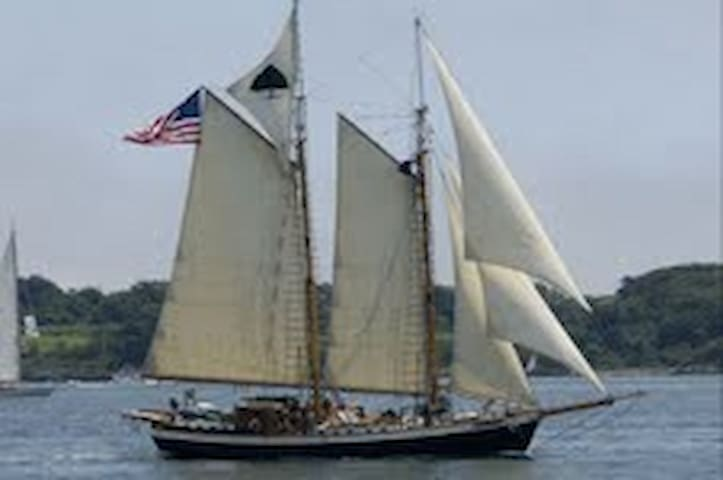 Luxurious Tall Ship in Newport Harbor - Newport - Boat