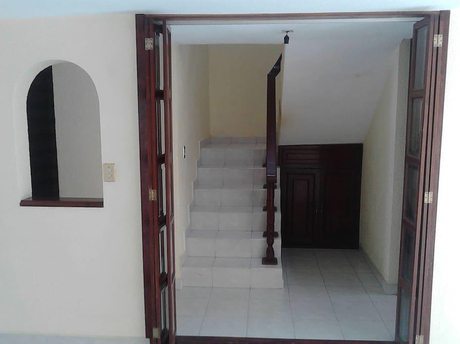 Access 2 Floor/Acceso 2 Piso