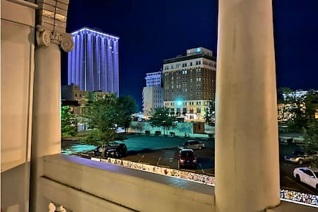 ❤️5 ✴️Stylish Walkable *Center Suite* Downtown 2BR