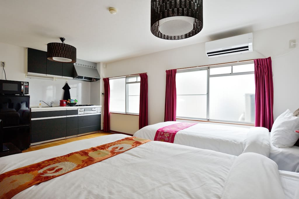 High-quality single bed and semi-double bed.