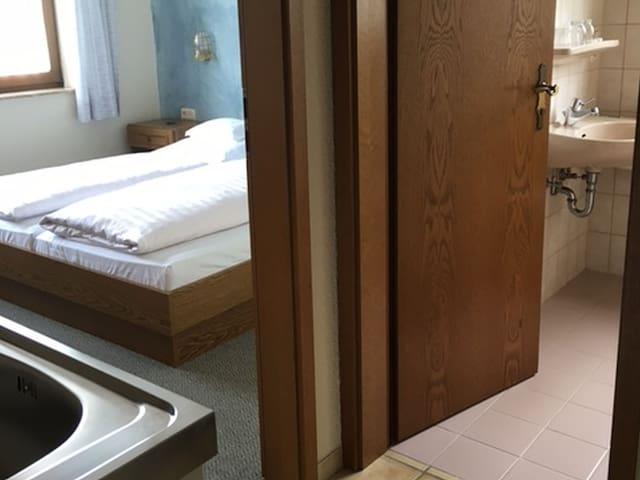 Weingut Wolfgang Kohl, (Brauneberg), Appartement Moseltal 2, 30qm, 1 Schlafzimmer, max. 2 Personen