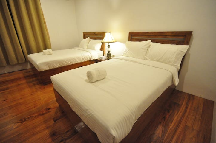 Casa Simeon  Room  Only - Bicol's Heritage House - Bacacay - Bed & Breakfast