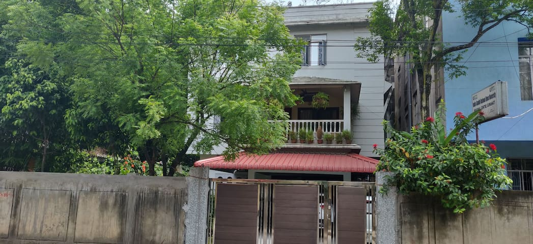 DekaChang a cozy 2BHK home away from home