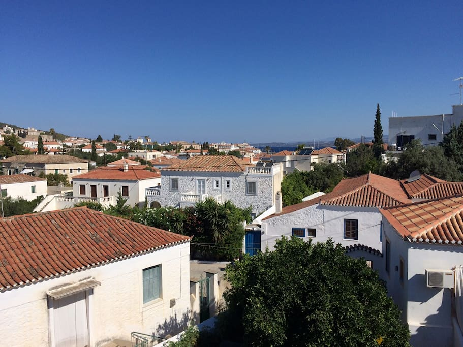 Charming 3 bedroom family house with view casas en alquiler en spetses tica grecia - Four bedroom houses great choice big families ...