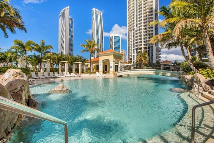 Central Surfers Paradise- 2 Bedroom