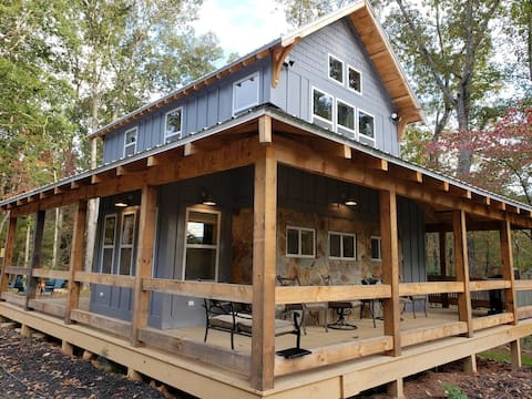 Lake Cove Cottage