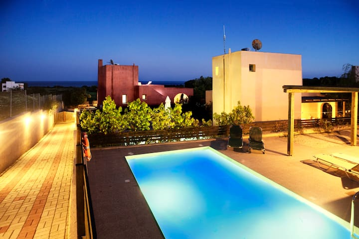 Villa Calypso with private pool in Gennadi, Rhodes - Gennadi - Casa de campo