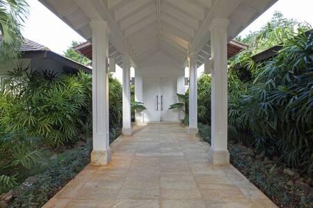 Magnificent White Villa in Casa de Campo - ラ・ロマーナ - 別荘