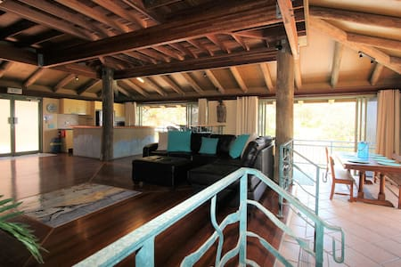Ocean Retreat on Main - Point Lookout - Wohnung