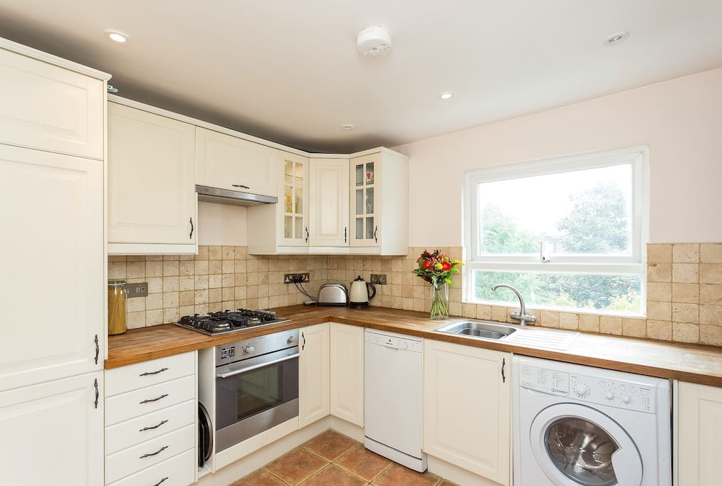 Well equipped, comfortable kitchen